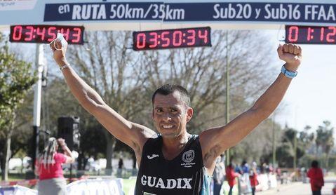Claudio Villanueva logra un histórico título en la última edición de 50 km