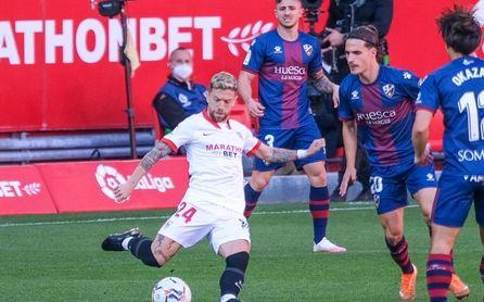 Sevilla FC: tres altas, cinco bajas y el Papu como atracción