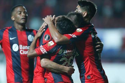 San Lorenzo y Vélez se estrenan con triunfos y Gago debuta con derrota