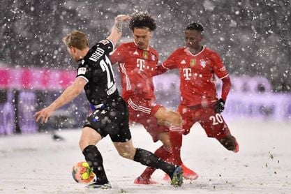 3-3. El Bayern paga la 'resaca' del Mundial de Clubes