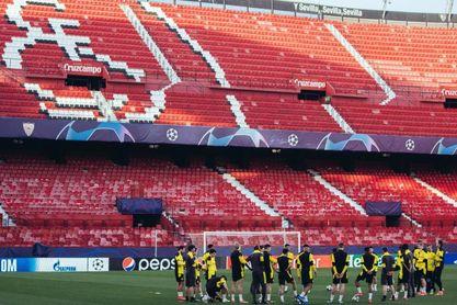 Imagen del entrenamiento del Dortmund sobre el césped del Sánchez-Pizjuán.