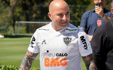Sampaoli repite lo de Sevilla y se va tras los pasos de Bielsa