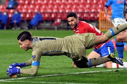2-0. Un notable Granada logra una importante ventaja ante el Nápoles