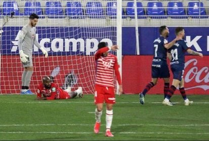 3-2. El Huesca no tira la toalla