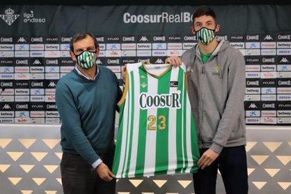 """Boris Tisma: """"Estoy ilusionado por venir a un gran club como el Betis"""""""
