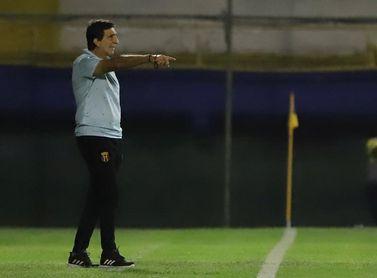 Royal Pari y Guaraní, un duelo de técnicos argentinos en la Libertadores