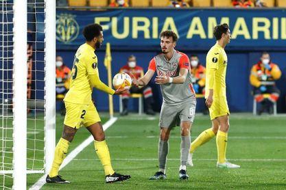 El Villarreal se clasificó sin brillar (2-1)