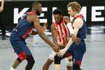 87-67. Vildoza y Giedraitis frustran la reacción serbia