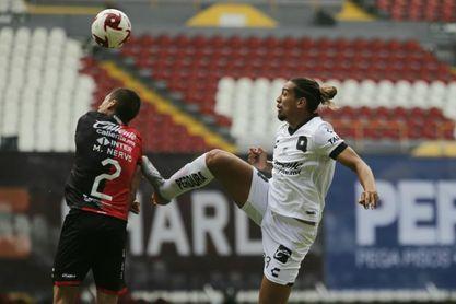 Brasileño Da Costa dice que en su país no hay espacio para tanto futbolista