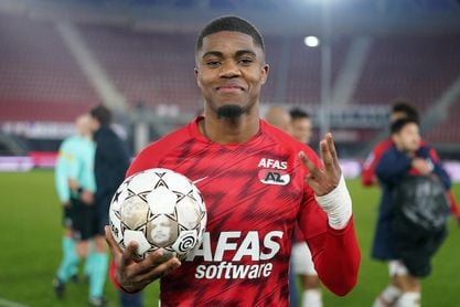 Boadu festeja su triplete contra el Feyenoord.