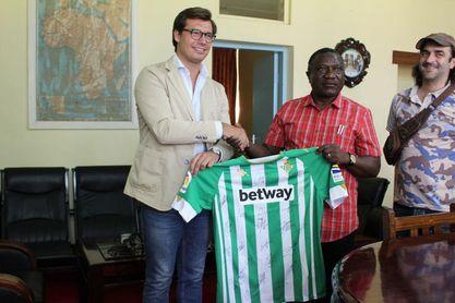 """El Betis llega a Tanzania: """"Cada vez hay más seguidores béticos a nivel mundial"""""""