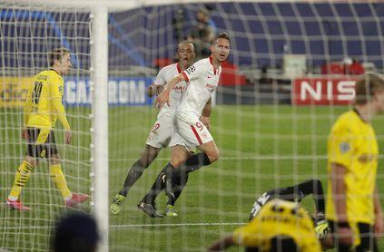El tanto de De Jongle dio vida al Sevilla FC de cara a la vuelta ante el Dortmund.