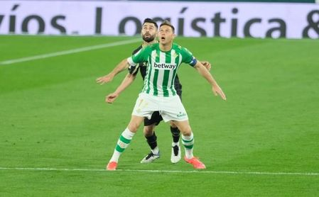 Joaquín ya se ha enfrentado al Alavés en tres décadas distintas.