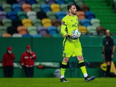 Adán, el portero menos goleado de Europa, elegido mejor del mes en Portugal