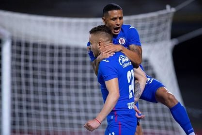 Cruz Azul lidera el Clausura de fútbol en México después de 10 jornadas