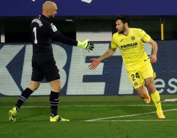 1-3. Gerard Moreno reflota al 'submarino amarillo'