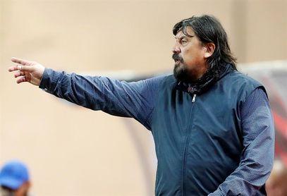 """Burgos afirma que Newell's tiene que jugar """"todos los partidos como finales"""""""