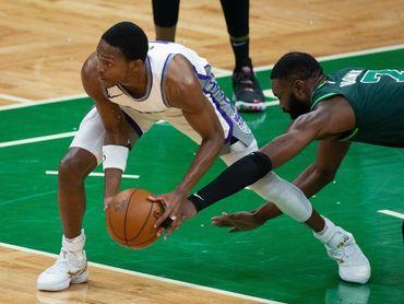 Los Jazz y los Suns recuperan el camino ganador; los Nuggets y los Trail Blazers lo mantienen