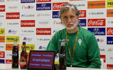 """La """"decepción"""" de Alfaro tras la remontada del Betis Deportivo."""
