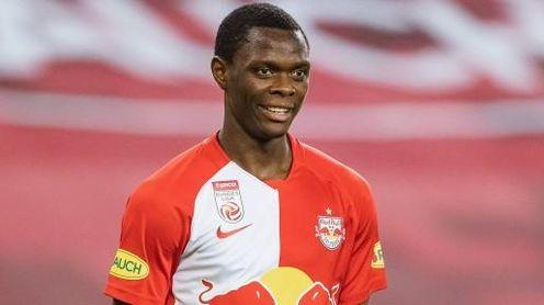 Kanouté avala al nuevo delantero que relacionan con el Sevilla FC.