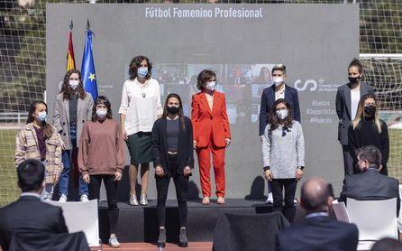 La Liga Ellas abrirá en 2021 la profesionalización del fútbol femenino