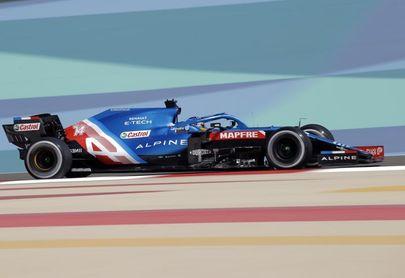 Verstappen (Red Bull) presenta su candidatura dominando los segundos libres
