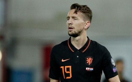 De Jong vuelve a marcar en la goleada de Holanda y Vaclik cae ante Gales.