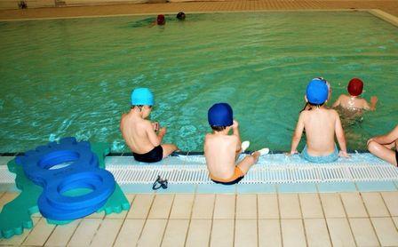Plazas libres en los cursos de natación infantil