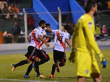 El Nacional Potosí recibe al Guabirá en pos de un milagro en la Sudamericana