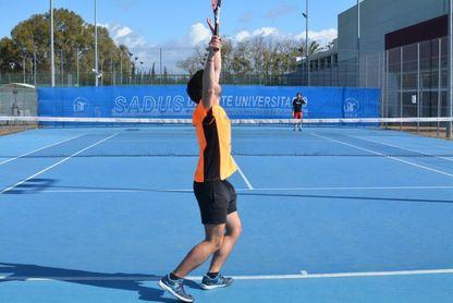 Promoción en los cursos de tenis y pádel del SADUS