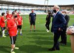 Del Bosque sorprende a los jugadores del equipo 'Genuine' del Almería