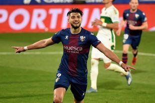 3-1. El Huesca sale del descenso cinco meses y medio después