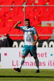 El argentino Gigliotti anota dos goles en el triunfo del campeón León sobre Atlas