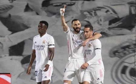 Lucas Vázquez dice adiós a la temporada; Valverde seria duda para Anfield.