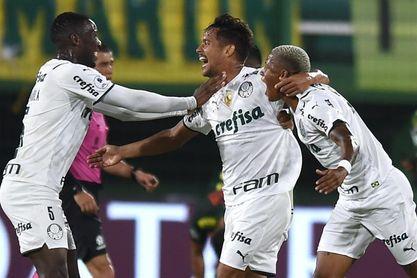 Palmeiras, a un empate del título, recibe a un Defensa confiado en remontar