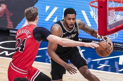 85-111. Los Spurs sorprenden a los Suns y les cortan su racha ganadora de locales
