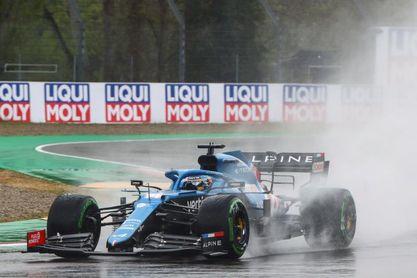 Alonso suma su primer punto tras una sanción a Raikkonen
