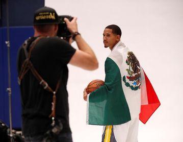 El mexicano Juan Toscano sufre una conmoción cerebral