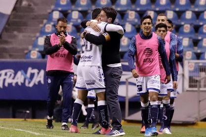 El Puebla del argentino Larcamón vence al San Luis y sube al tercer lugar del fútbol en México