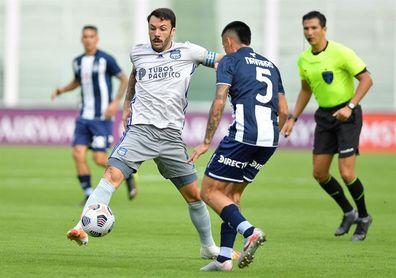1-2. Emelec se recupera y vence a Talleres con goles uruguayos