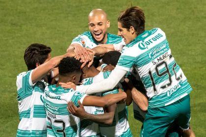 El Santos Laguna concreta alianza con Betis, Atlético Nacional y Banfield