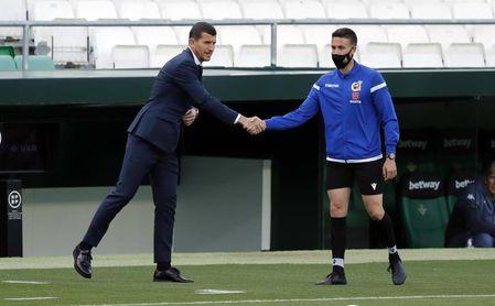 Valencia-Alavés: Para alejarse del pozo.