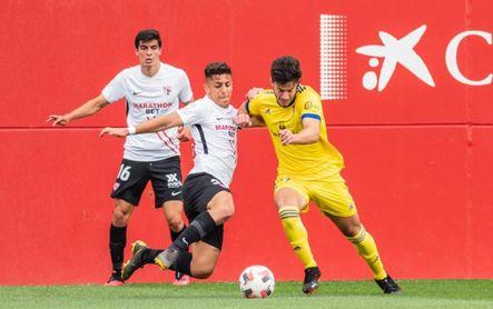 Sevilla Atlético 1-2 Cádiz B: Se complica, pierde y deberá jugársela a una carta