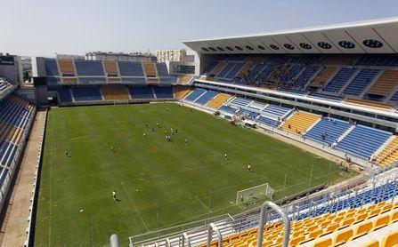 Suscritas la mayoría de acciones de la ampliación de capital del Cádiz