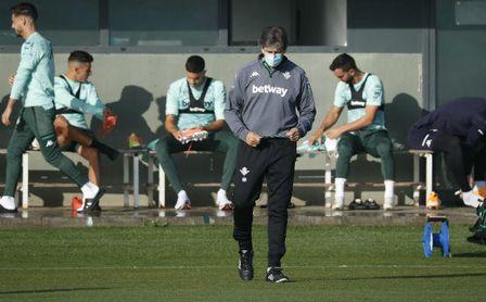 Pellegrini recupera piezas para Valladolid y pierde a una