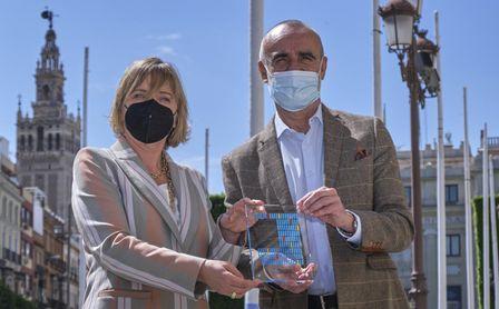 La Delegación de Turismo de Sevilla gana el premio Hotels & Tourism de CaixaBank.