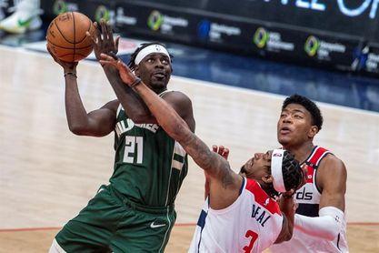 135-134. Los Bucks superan el triple-doble de Westbrook con los Wizards y se acercan a los Nets