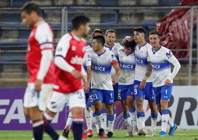 3-1. Católica vence a Nacional y suma sus primeros puntos en la Libertadores