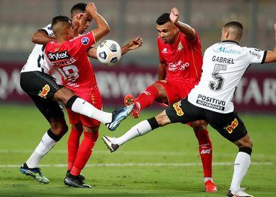 0-3. El Corinthians golea en su primera visita a Perú después de 50 años