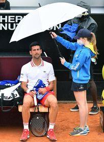 Djokovic arranca con buen pie en Roma